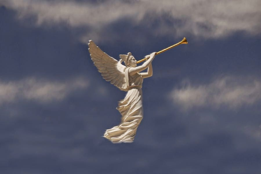 angel_and_trumpet